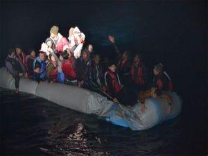 İzmir Foça'da 41 mülteci kurtarıldı