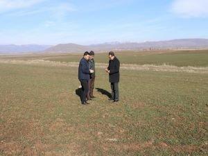 """Yener: """"Mevsim kayması sonucu oluşabilecek don nedeniyle ekili alanlar zarar görebilir"""""""