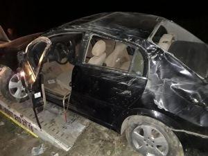 Hatalı sollama yapan kamyonet kazaya sebep oldu