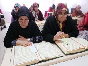Kur'an-ı Kerim'i öğrenme aşkı yaş sınırı tanımıyor