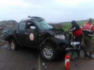 İtfaiye öncü aracı kaza yaptı: 2 yaralı