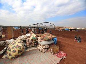 MSF: Sınırdaki on binlerce aile kış soğuğunda hayatta kalmaya çalışıyor