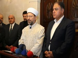 Erbaş: Camilerin hedef alınmasının arkasında İslam düşmanlığı var