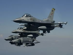 Türkiye jetleri konvoyun girdiği bölgeyi bombalıyor