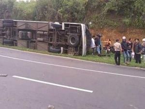 Endonezya'da otobüs kazası faciası: 27 ölü