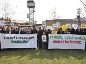 """""""28 Şubat mağdurları derhal serbest bırakılmalıdır"""""""