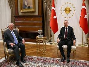 Erdoğan Tillerson'u kabul etti