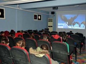 Kırsaldaki 3 bin öğrenci sinema ile tanışacak