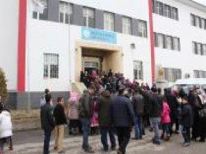 Elazığ'da Siyer Sınavı 19 merkezde gerçekleştirildi