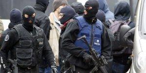 Brükselde operasyonda 3 polis yaralandı