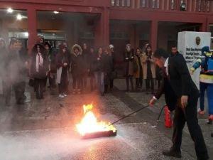 Van'da öğretmen ve idarecilere yönelik yangın tatbikatı