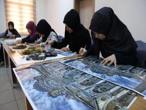 Öğrencilerden Osmanlı kâğıt sanatı