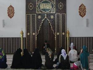 """Müftü Tutkal: """"Kadınlara itibarını İslam dini vermiştir"""""""