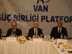 Bakan Arslan: Van için büyük projeler düşünüyoruz