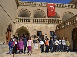 Mardin'de 'Bir Gün Projesi' sürüyor