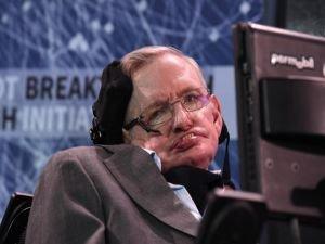 Stephen Hawking öldü