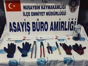 Hırsızlık iddiasıyla 12 kişi gözaltına alındı
