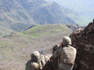 Hakkari'de havanlı saldırı: 6 asker yaralı