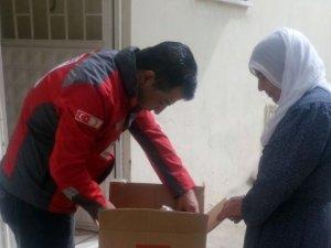 Türk Kızılayı, Batman'da ihtiyaç sahibi ailelere gıda kolisi dağıttı