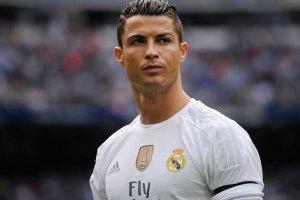 Ronaldo araplarla söz kesti!