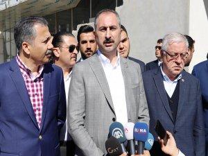 Adalet Bakanı Gül: Türkiye hiçbir terör örgütü ile pazarlığa oturmaz