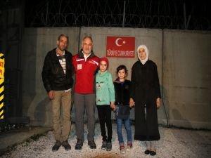 Türk Kızılayı Savaşın Simgesi Kerim Bebeğe Sahip Çıktı