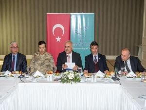 Vali Zorluoğlu aşiret liderleriyle bir araya geldi