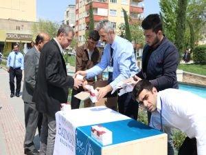 Belediye 2 bin 500 paket kandil simidi dağıttı