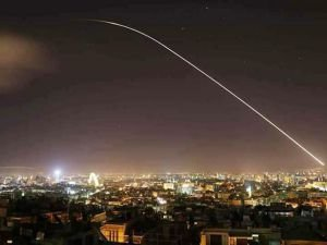 ABD Suriye hedeflerini vurdu