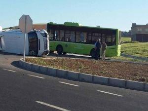 Diyarbakır'da belediye otobüsü ile işçileri taşıyan minibüs çarpıştı: 10 yaralı