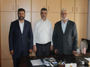 HÜDA PAR İzmir İl Başkanlığı'ndan Ensar Vakfı'na nezaket ziyareti