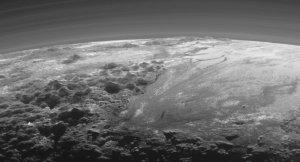 Plüton'un donmuş yüzey altında sıvı halde okyanus olduğu iddiası