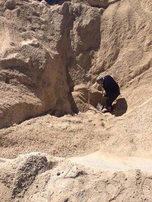 Üzerine kum dökülen kadın öldü