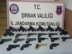Şırnak'ta çok sayıda tabanca ve mühimmat ele geçirildi