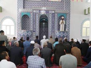 Cizre'de yeni yapılan cami dualarla açıldı