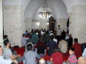 Nusaybin'de Berat Kandili dualarla ihya edildi