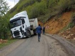 Kaza nedeniyle kapanan yol açıldı
