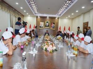Çanakkaleli öğrencilerden Diyarbakır Valisine ziyaret