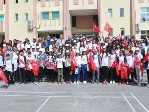 Antalya'dan 100 kişilik öğrenci kafilesi Van'a geldi
