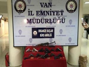 Van'da silah kaçakçılarına operasyon