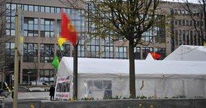 Belçika polisi PKK paçavralarını yeniden astı