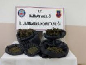 PKK'ye ait 25 kilo esrar ele geçirildi