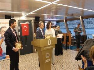 Türkiye'nin ilk 'Alzheimer Okulu' mezunları diplomalarını aldı