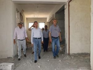 İnşaatı devam eden okullar denetlendi