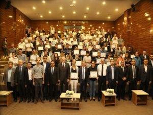 144 girişimciye katılım belgesi verildi
