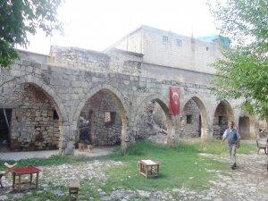 Tarihi Tuz Hanı'nın restorasyonu için imzalar atıldı