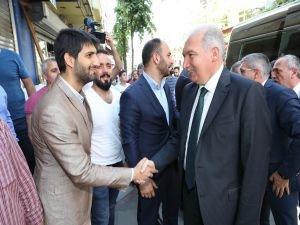 İBB Başkanı Uysal Pendik'te esnaf ve vatandaşlarla buluştu