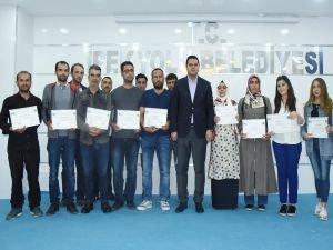 Uygulamalı girişimcilik sertifikaları sahiplerine verildi