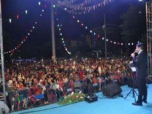 Kur'an-ı Kerim ziyafeti ve Abdurrahman Önül konseri'ne yoğun ilgi