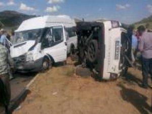 Mardin'de kaza: 12 yaralı